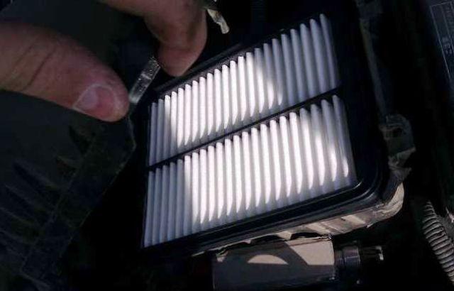 Описание воздушного фильтра Toyota Corolla: инструкция по замене с фото