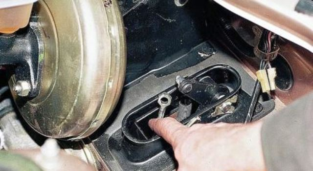 Замена сцепления ВАЗ 2114 своими руками: инструкции, фото и видео