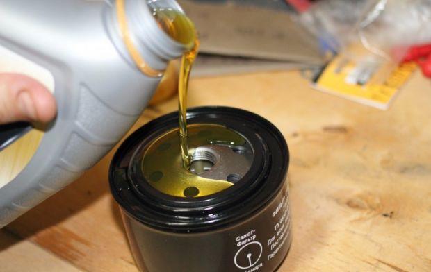 Замена масляного фильтра на Mitsubishi Lancer: пошаговая инструкция и фото