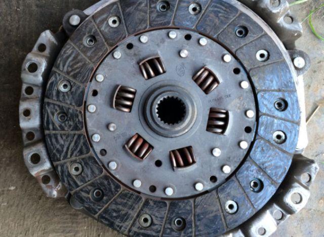 Как регулировать педали сцепления на авто ВАЗ 2107: инструкции и видео