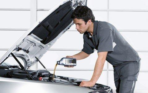Меняем масло в двигателе автомобиля ВАЗ 2019: инструкции, фото и видео