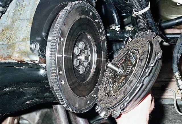 Замена диска педали сцепления на ВАЗ 2109: инструкции, фото и видео