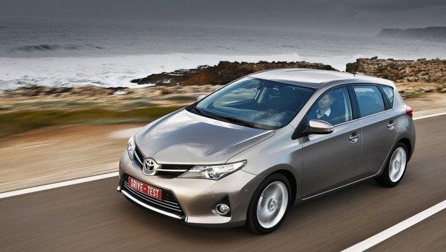 Процесс замены топливного фильтра в Toyota Auris: инструкции и фото