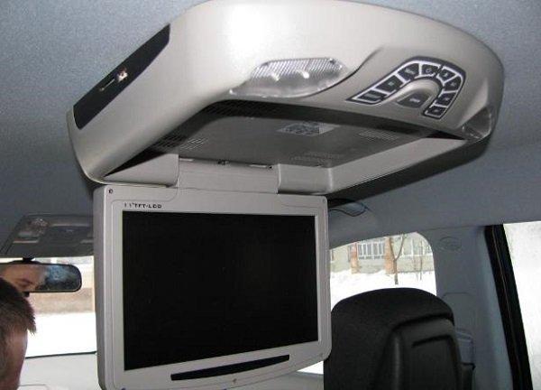 Критерии выбора потолочного монитора для автомобиля: все, что следует знать