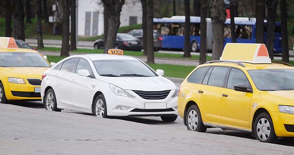 Выгодно ли работать в такси на своей машине: Яндекс.Такси, Uber, Gett и таксопарк