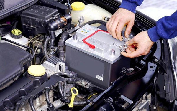 Как заряжать необслуживаемый аккумулятор автомобиля