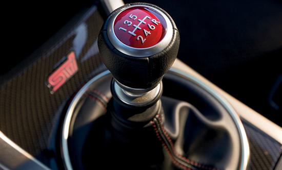 Как научиться водить машину на механической коробке передач