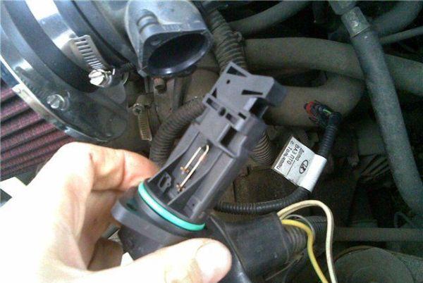 Признаки неисправности ДМРВ: как проверить датчик массового расхода воздуха, его ремонт и замена