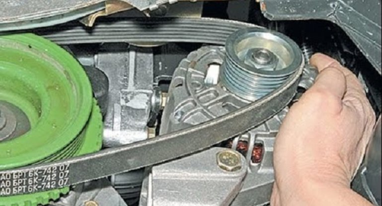 Замена ремня генератора Lada Priora с кондиционером или ГУР: как снять и подтянуть расходник?