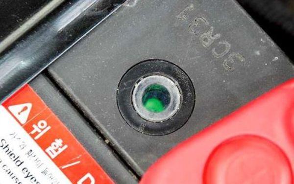 Как правильно прикурить автомобиль от аккумулятора другой машины (автомата или иномарки)?