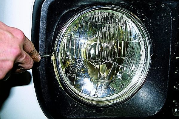 Подфарники и фары на Ниву 21214: тюнинг, регулировка и выбор танковой и хрустальной оптики