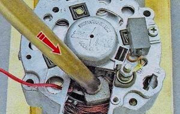 Как снять генератор ВАЗ 2107: ремонт и замена, не дает зарядку, как проверить на неисправности