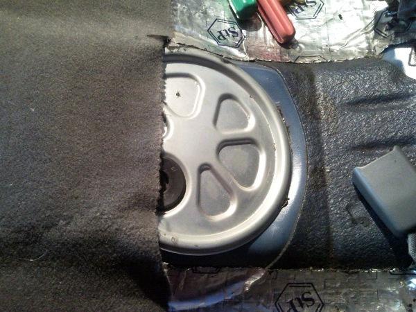 Где находится датчик температуры охлаждающей жидкости Chevrolet Niva, детонации, фаз и скорости, распредвала и уровня топлива