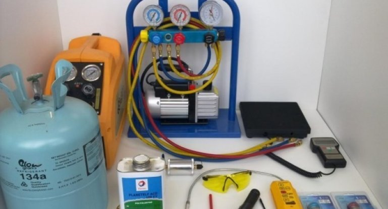 Оборудование для заправки автокондиционеров: станции, установки, наборы, аппараты Autech и иное
