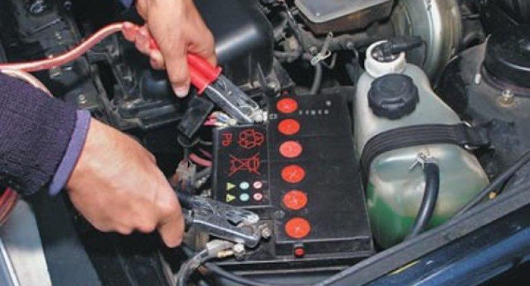 Каким током заряжать аккумулятор автомобиля: общие принципы и схема зарядки автомобильной АКБ