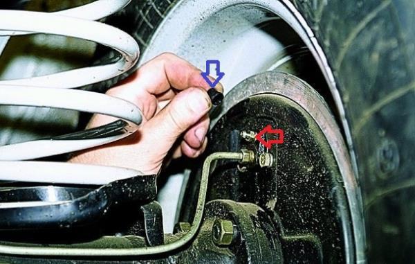 Как самостоятельно прокачать тормозную систему на ВАЗ 2107