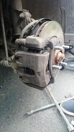 Самостоятельная замена тормозных колодок Kia Rio 3