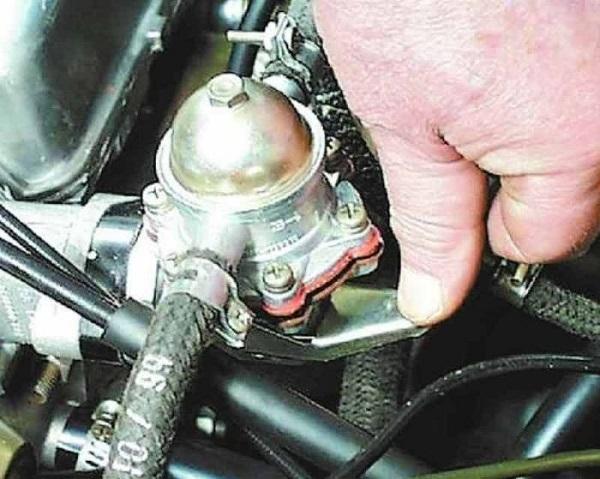 Диагностика и самостоятельный ремонт механического топливного бензонасоса ВАЗ 2108