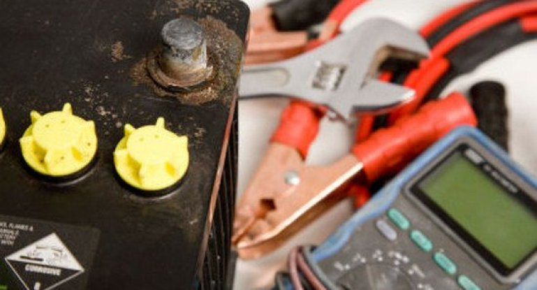 Зарядка автомобильного аккумулятора. Как сделать это правильно?