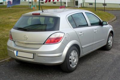 Самостоятельная замена задних тормозных колодок на автомобиле Opel Аstra