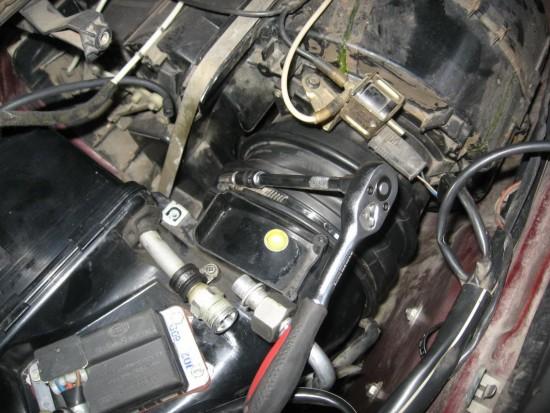 Самостоятельная чистка испарителя кондиционера на авто Audi 100