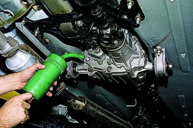 Полная замена масла на ВАЗ 21213 во всех агрегатах