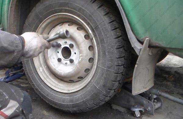Диагностика и ремонт шаровых опор ВАЗ 2106