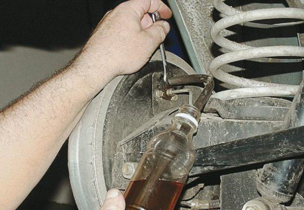 Ремонтируем своими руками главный тормозной цилиндр ВАЗ 2107
