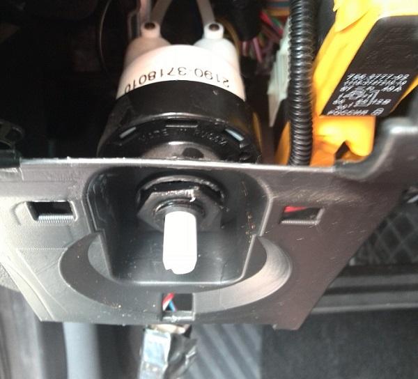 Не работает гидрокорректор фар на Лада Гранта: ремонт или замена