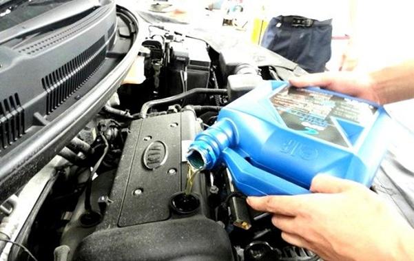 Самостоятельно меняем масло на автомобиле Киа Рио